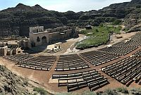 badlands-amphitheatre